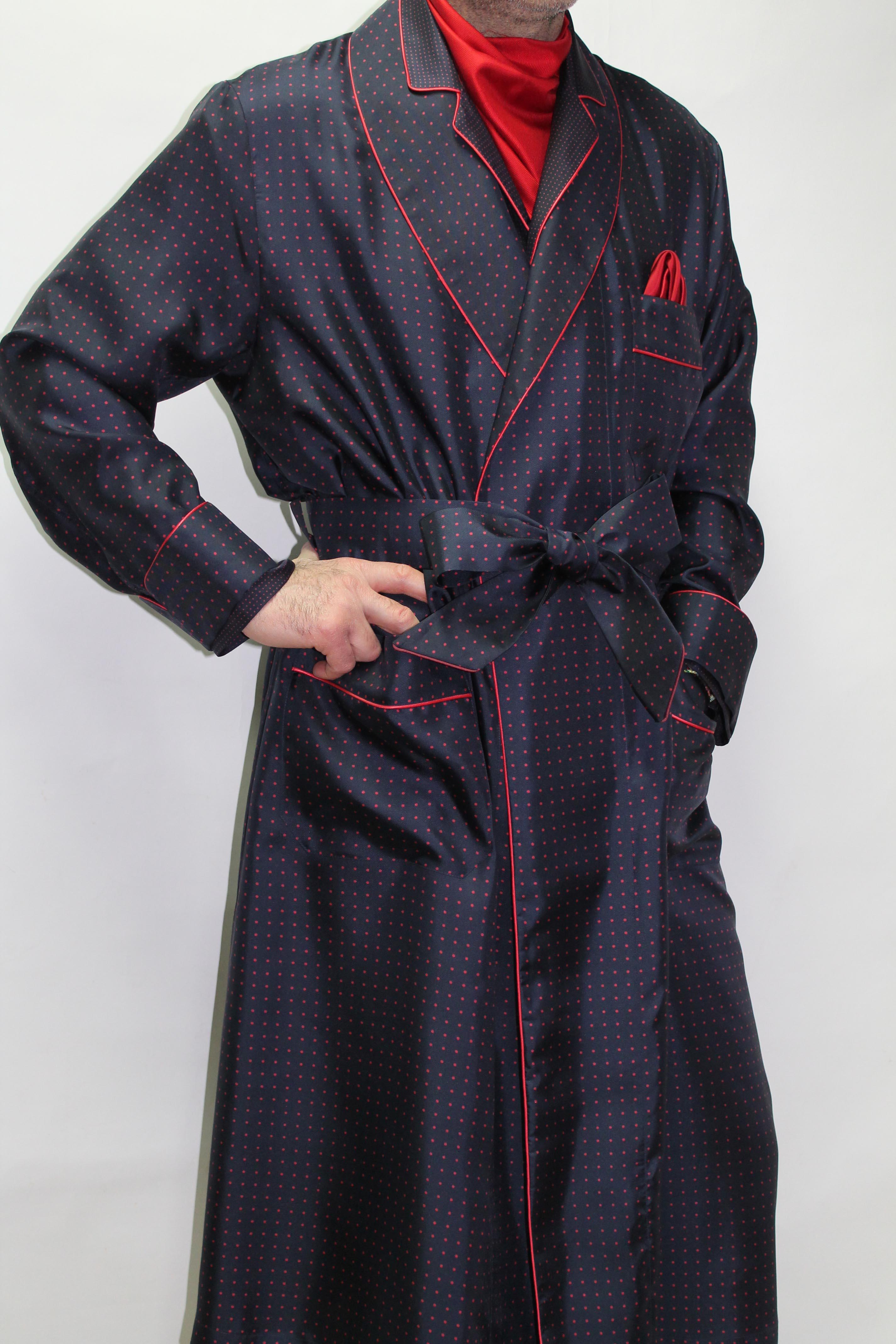 robe de chambre classique pour homme 100 soie imprimee avec passepoil. Black Bedroom Furniture Sets. Home Design Ideas